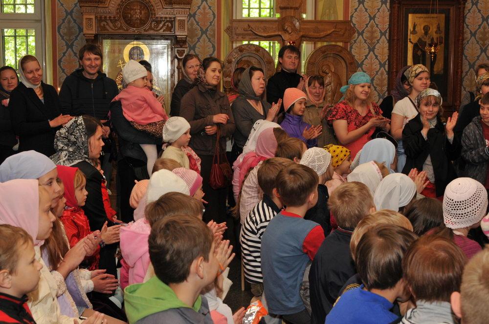 13 мая 2012 года в храме Благовещения Пресвятой Богородицы в Федосьино прошел праздник, организованный Соц. службой и посвященный Международному дню семьи
